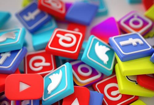 آداب فعالیت در شبکه های اجتماعی